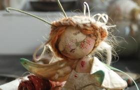 """""""Зимняя бабочка"""": Клеевое крепление волос на текстильную головку. Формирование причёски.Завершение образа бабочки"""