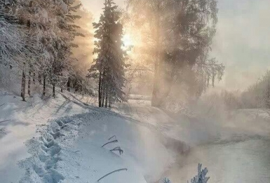 Атмосферный зимний  пейзаж со светом