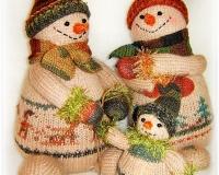 Семейство снеговичков