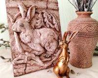 Имитация античного барельефа «Заяц»