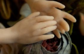Кукла на проволочном каркасе из полимерной глины. Лепка рук и ног