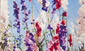 Цветочная композиция на фоне неба