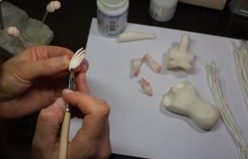 """Онлайн- курс """"Авторская шарнирная кукла из пластика"""". Урок 4. Шарниры и запекание"""