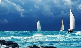 Морской пейзаж с яхтой и чайками