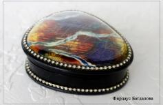 Северные сполохи. Радужный камень лабрадор создаем витражными красками