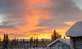 Зимний пейзаж с домиками
