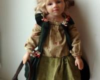 Подвижная кукла на скелете