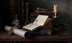 Натюрморт с книгами и свечой