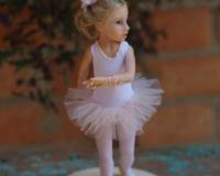 Кукла-малышка на подставке